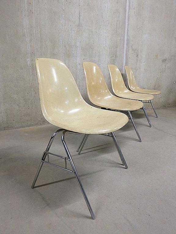 Vintage eames herman miller eetkamer stoelen stacking for Ray eames stoelen