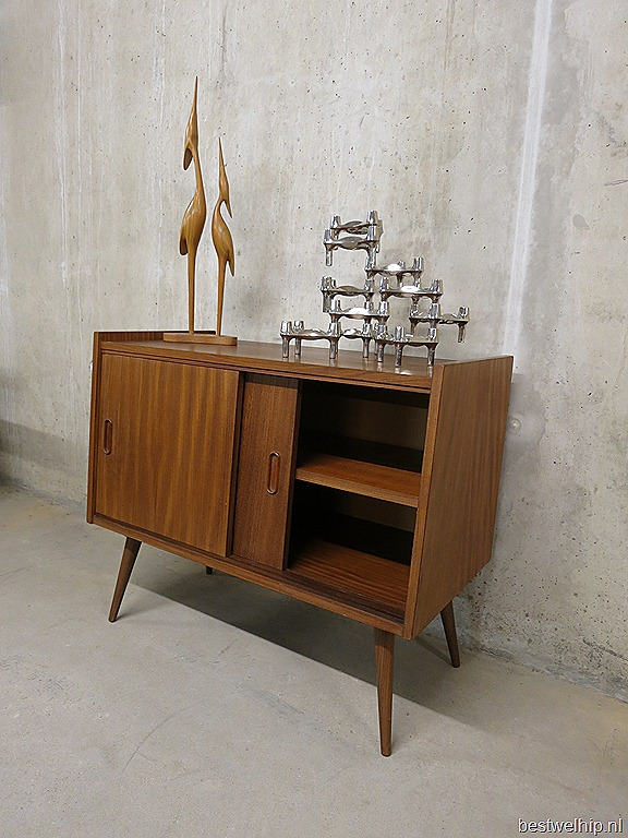 Vintage design wall cabinet wandmeubel wandkast deense stijl bestwelhip for Scandinavische cocktail