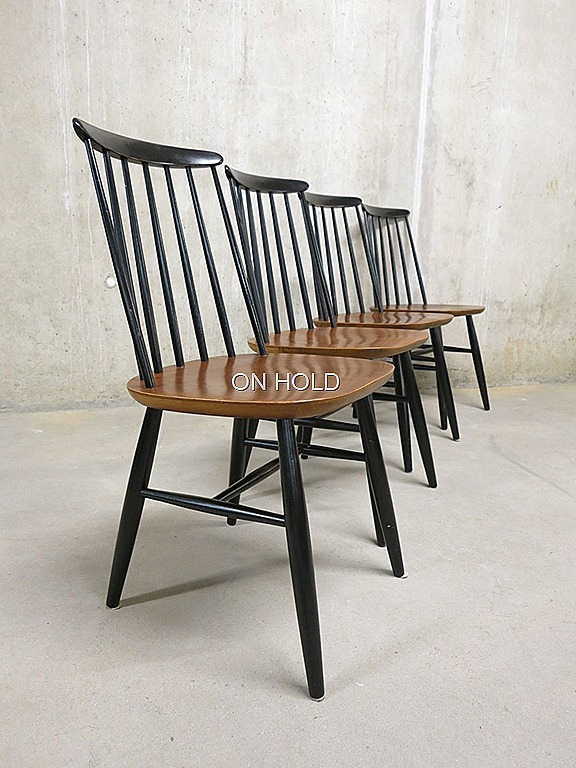 Vintage houten spijlenstoelen deense stijl for Deense meubels vintage