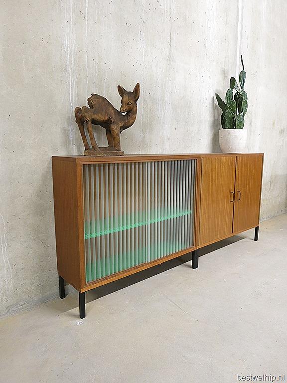 Vintage wandkast industrieel, vintage cabinet industrial   Bestwelhip