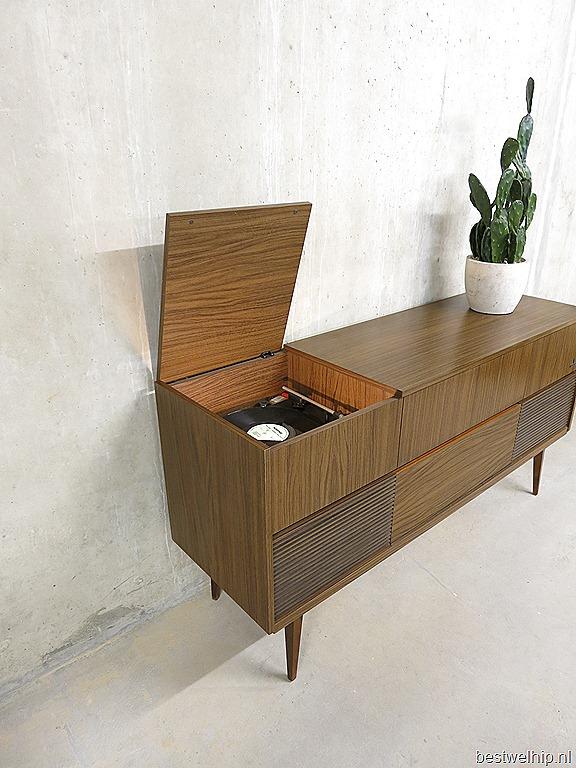 Vintage dressoir wandkast kast Grundig radiomeubel sixties
