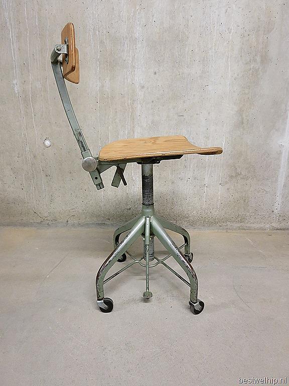 Vintage industrial chair verkstads lindqvist motala for Bureaustoel vintage