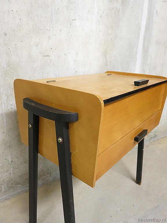 Vintage bijzettafeltje naaikistje sewing box bestwelhip for Bijzettafeltje design