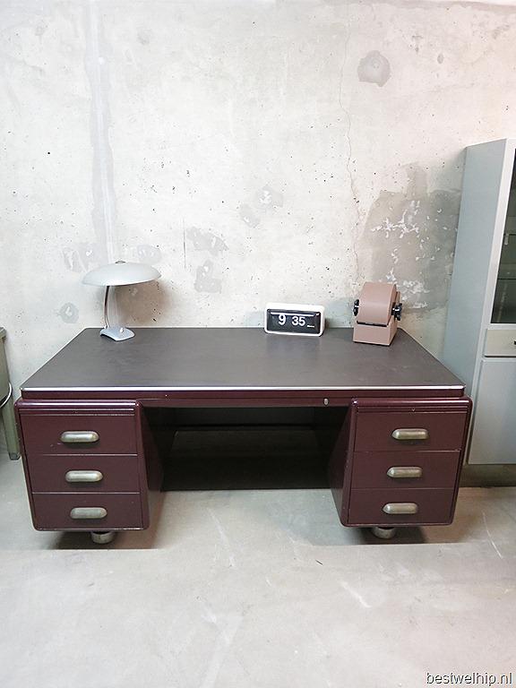 Ahrend oda vintage industrieel bureau prominent writing desk bestwelhip - Deco loungeeetkamer ...