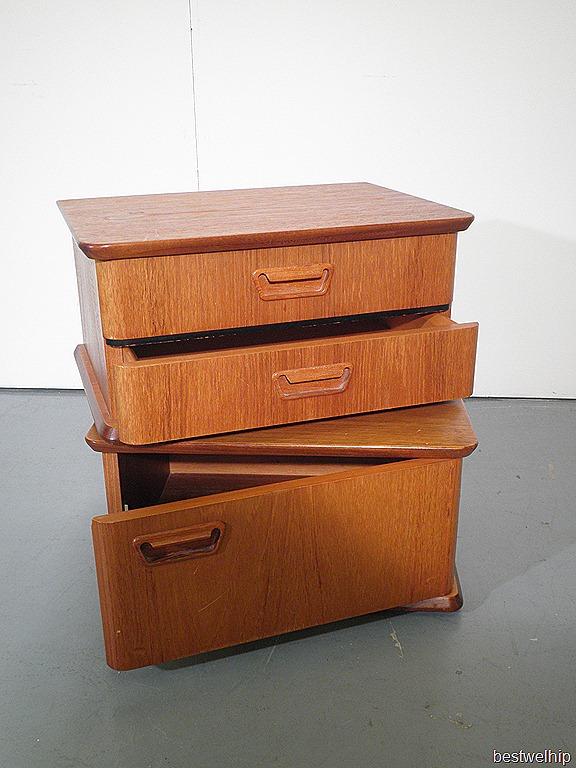 Vintage wandkast nachtkastje deense stijl bestwelhip for Zwevend ladenblok