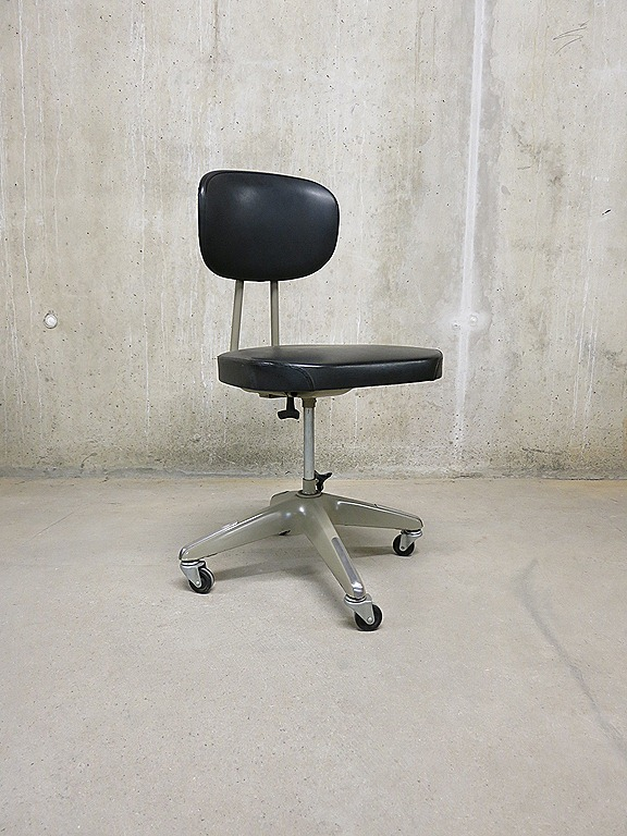 Vintage industrial desk chair bureaustoel industrieel for Bureaustoel vintage