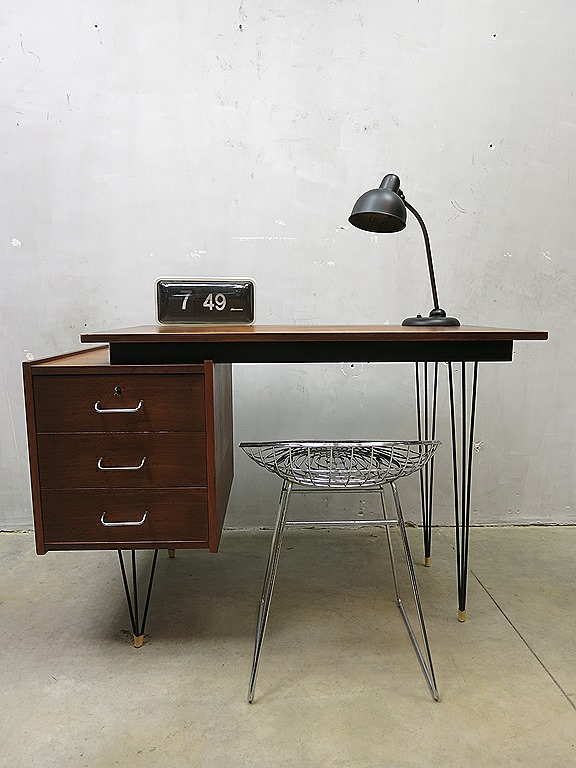 Pastoe mid century dutch design writing desk vintage for Zwevend ladenblok