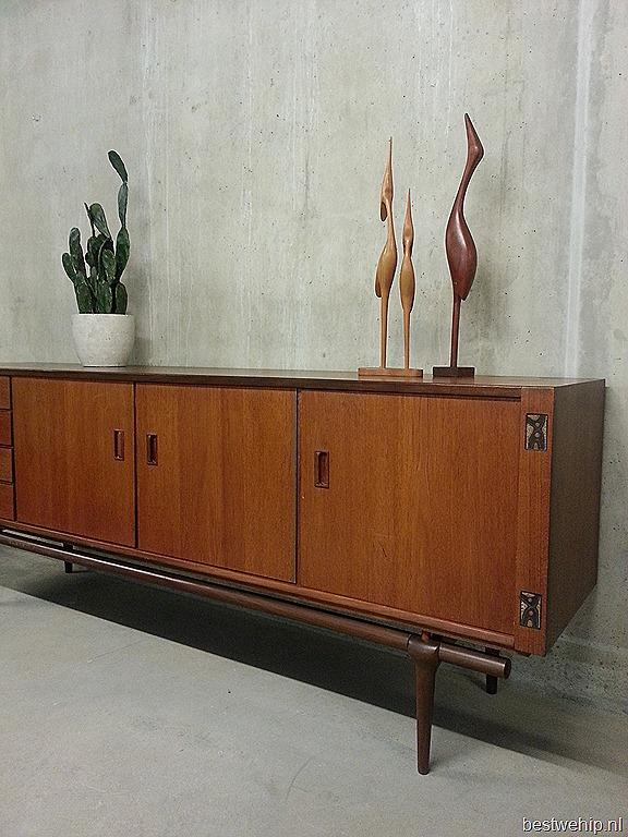 Webe dressoir sideboard louis van teeffelen bestwelhip for Deense meubels vintage