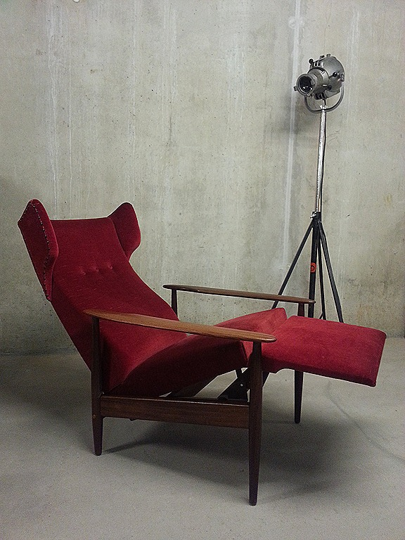 Mid Century Danish Design Recliner Chaise Lounge Wingback