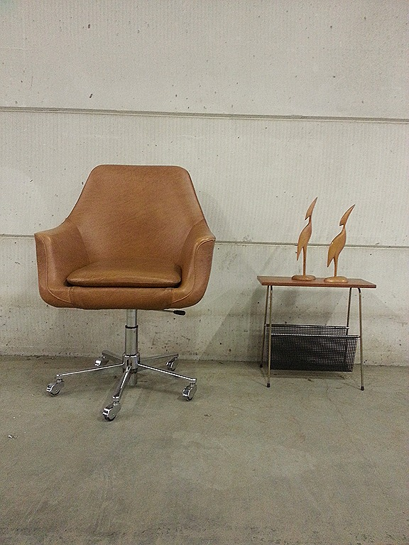 Vintage egg shape office chair desk chair bureaustoel for Bureaustoel vintage