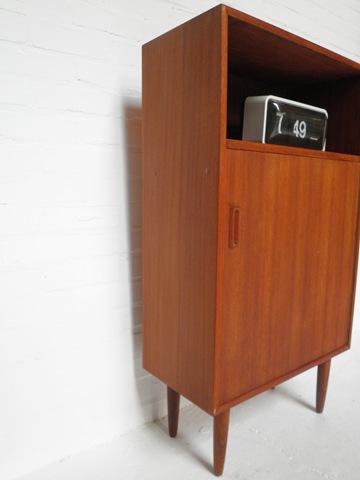 Vintage teakhouten kast deense stijl bestwelhip for Deense meubels vintage