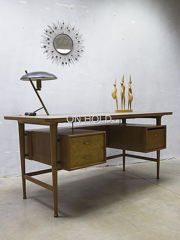 mid century modern office desk vintage design bureau xl bestwelhip. Black Bedroom Furniture Sets. Home Design Ideas