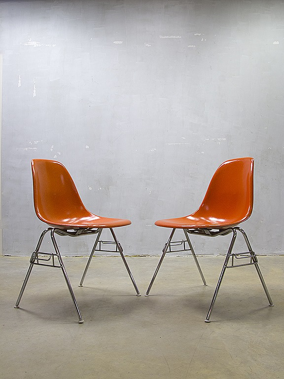 original eames herman miller eetkamer stoelen fiberglass shell chairs vitra bestwelhip. Black Bedroom Furniture Sets. Home Design Ideas