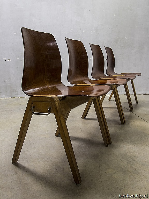 Eettafel Stoelen Vintage.Vintage Design Stacking Chairs Dining Chairs Vintage Houten