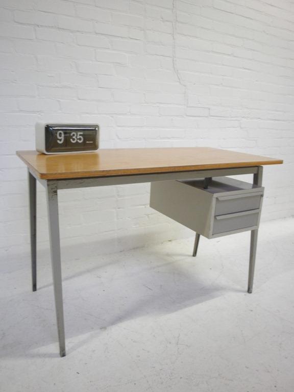 industrieel vintage design bureau marko bestwelhip. Black Bedroom Furniture Sets. Home Design Ideas