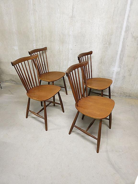 Pastoe spijlen stoelen van Yngve Ekstrom   Bestwelhip