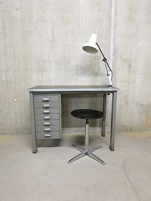 vintage design bureau industrieel gispen stijl bestwelhip. Black Bedroom Furniture Sets. Home Design Ideas